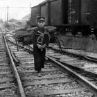 線路と薪拾いの少年4
